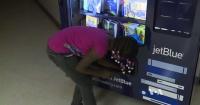 Estas máquinas expendedoras tienen algo mucho mejor que caramelos y son gratis