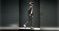 Aprende a hacer el Moonwalking de Michael Jackson en 5 minutos y sé la estrella de la fiesta