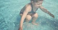FOTO: La pregunta que todos se están haciendo ¿La niña está o no está dentro del agua?