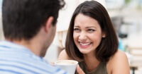 9 razones de por qué SIEMPRE debes salir con alguien que te haga reír
