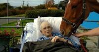Tenía cáncer terminal y el hospital le cumplió su último deseo
