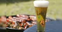 Se acabó la discusión: la cerveza con carne reduce la posibilidad de tener cáncer