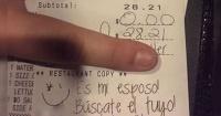 Mujer celosa le dejó un ofensivo mensaje a una mesera y ella le respondió ÉPICAMENTE en Facebook