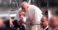Esta niña podría ser el primer milagro del Papa Francisco