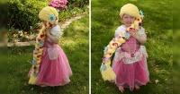 Una mamá hace increíbles pelucas de princesas Disney para niñas con cáncer