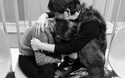 Foto del reencuentro de Xiao con su madre.