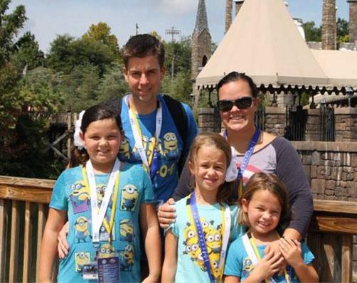 Courtney Solstad junto a su familia