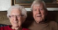 Juntos suman 187 años, se van a casar y demuestran que el amor no tiene edad