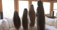 Esta mamá y sus 3 hijas jamás se han cortado el pelo y así lucen