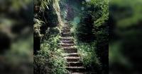 Se demoró 50 años en hacer esta escalera con más de 6000 peldaños y todo por amor