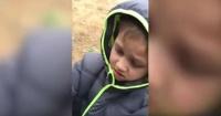 VIDEO: Niño rompe en llanto al encontrar a su amigo que creía perdido
