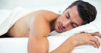 La ciencia lo ha comprobado: dormir desnudo te hace más sano y exitoso