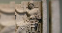 Encuentran una laptop en una escultura griega que tiene más de 2 mil años