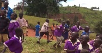Así reaccionan los niños africanos al ver un dron por primera vez