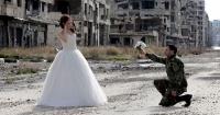 Estas fotos de un matrimonio en Siria muestran que el amor es más fuerte que la guerra
