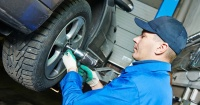 Estas son las técnicas que usan los mecánicos para cobrarte de más al reparar tu carro