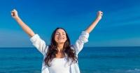 VIDEO: Estudio revela que hay que tener sólo 2 cosas para lograr una vida plena