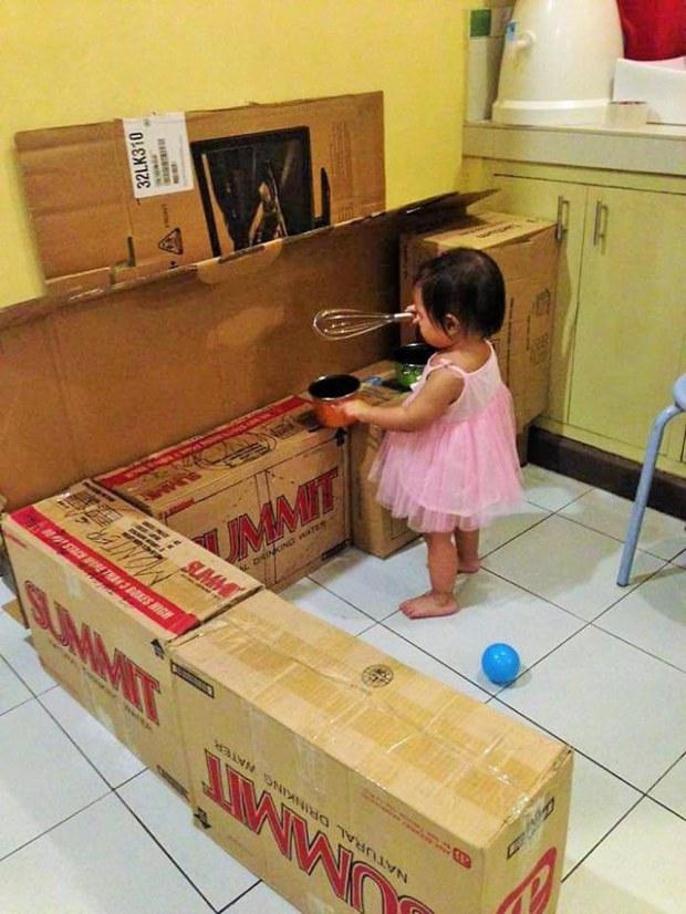 Mama Uso Cajas De Carton Para Hacerle Una Increible Sala De Juegos A