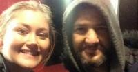 Esta chica perdió el último tren a casa y un hombre sin hogar hizo lo impensado