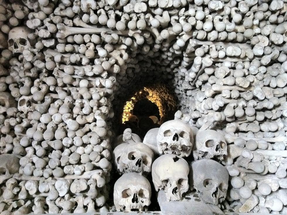 iglesia católica espanta a todos por su Brutal decoración