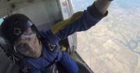 Terrorífico: este chico tuvo un ataque epiléptico mientras practicaba paracaidismo