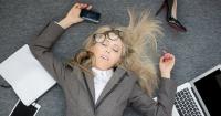 Estudios afirman que pasar largas horas en la oficina podría matarte
