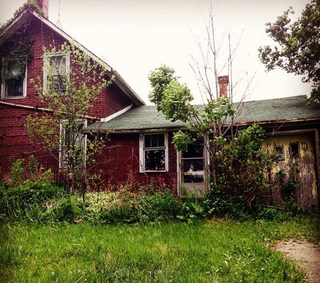 ybcu4-abandoned-home-man-4