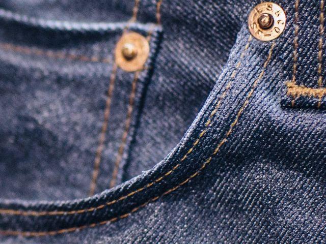 Bolsillo de un pantalón vaquero