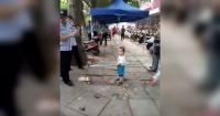 Lo que hizo este niño por defender a su abuela es simplemente IMPRESIONANTE