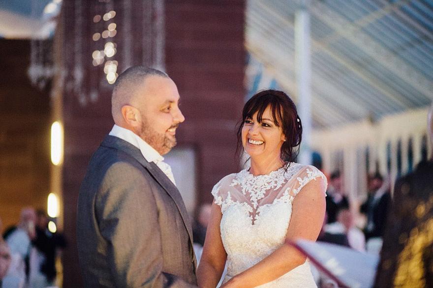 Craig y Joan Lyons en su boda