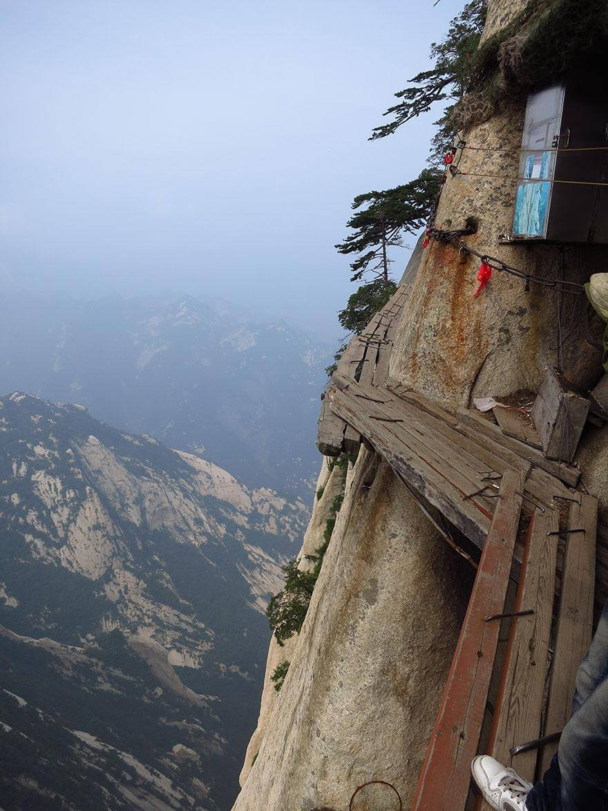 hiking-trail-huashan-mountain-china-131