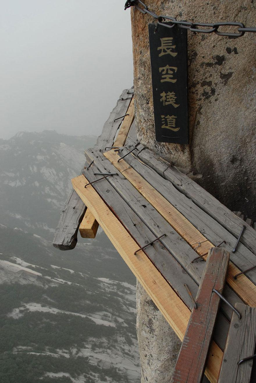 hiking-trail-huashan-mountain-china-3