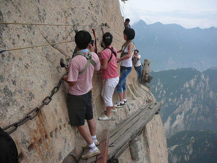 hiking-trail-huashan-mountain-china-91