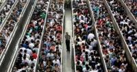 ¿Crees que subirte al metro es un suplicio? No es nada comparado con lo que ocurre en Beijing
