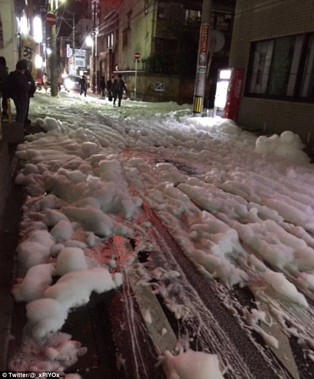 mysterious-foam-japan-earthquake-3
