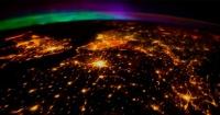 Así es como se ve una impresionante aurora boreal captada desde el espacio por la NASA