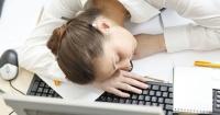 Después de ver esto, dormir en el trabajo ya no será mal mirado por tu jefe