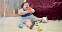 La dramática historia del niño que pesa 81 kilos y sólo tiene 5 años