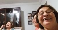 Estas mujeres se grabaron creyendo que se tomaban una selfie y lo que ocurrió fue divertidísimo