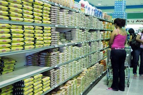 Lugar del arroz en el supermercado