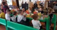 Un niño de 4 años se quedó sin invitados a su cumpleaños y así es como actuó un grupo de desconocidos