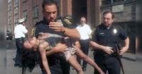 En 1998, este policía le salvó la vida en un incendio. 18 años después esto fue lo que les ocurrió.