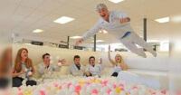 Esta fábrica de golosinas reduce el estrés de sus empleados de una increíble manera