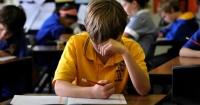 """Con """"trampa"""" y todo, este niño inglés logró pasar el examen de matemáticas con estas respuestas"""