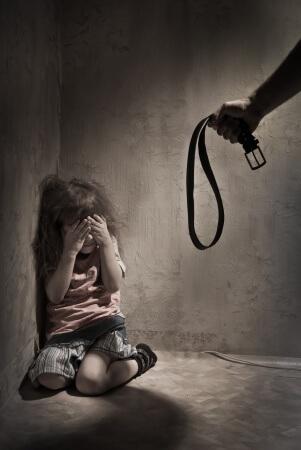 Niña a punto de ser abusada