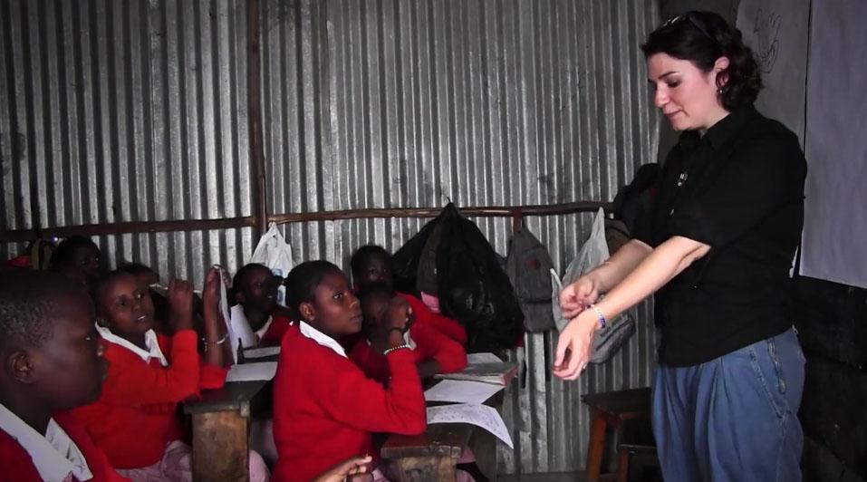 Diana Sierra en una escuela africana