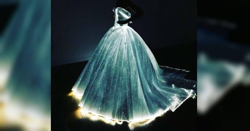 este vestido hará que cualquier mujer que lo use resalte entre la