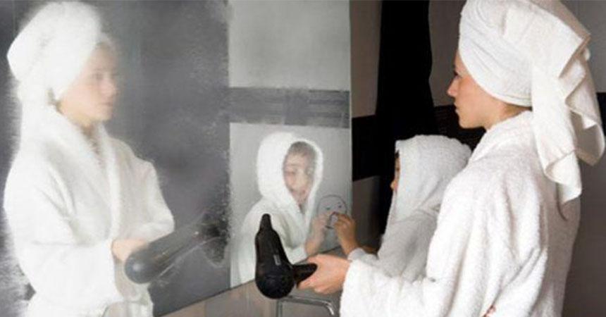 Con este peque o truco evitar s que el espejo de tu ba o for Espejo que se abre