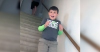 Así reacciona un niño de 7 años cuando se entera que ha vencido al cáncer