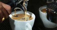 De esta brillante manera una cafetería le enseña buenos modales a sus clientes
